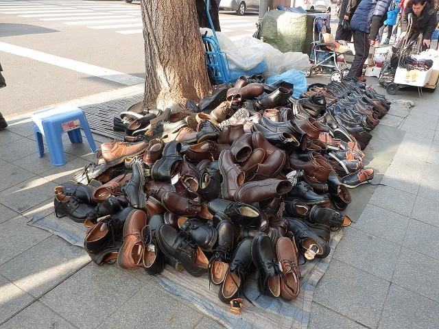 靴の投げ売り