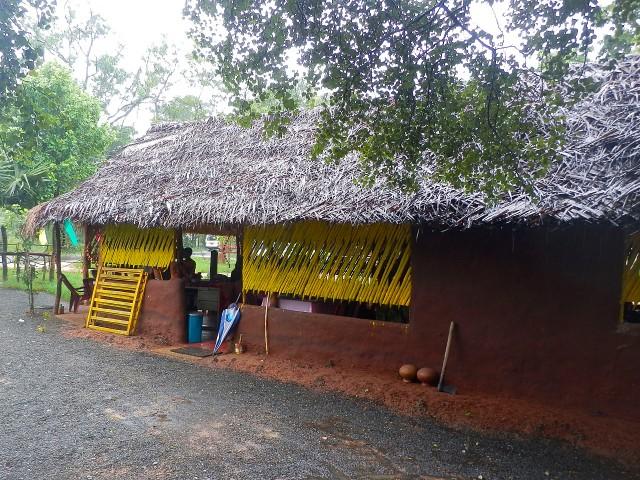 スリランカのカレー食べ放題レストラン