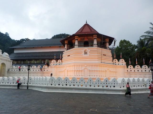 仏歯寺の外観